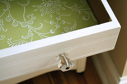 Make your own insect repellent drawer liners