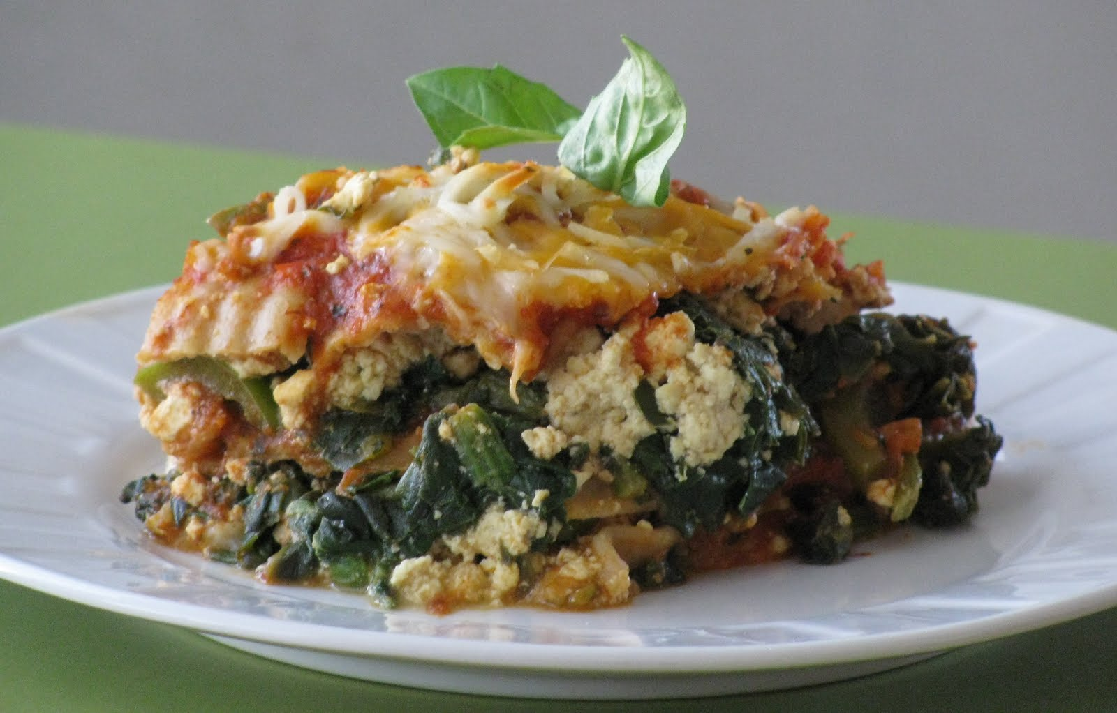 "Meat Free Mid Week Recipe – Whole Wheat Lasagna with Italian ""Sausage"" and Peppers"