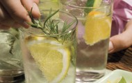 DIY Flavoured Water and Other Fun Summer Drinks