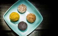 Raw Food Recipe – Apricot, Date and Almond Balls